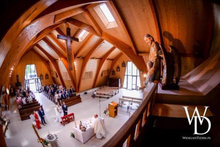 piękny ślub kościelny