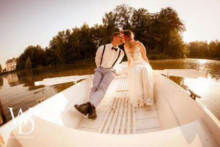 biała łódka, sesja ślubna