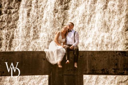 zdjęcia ślubne nad wodospadem w Wiśle