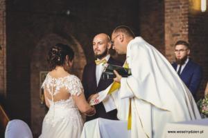 22-ślub kościelny - weselnydzien (2)