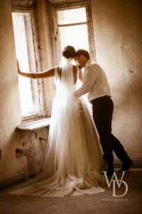 Piękna suknia ślubna i romantyczne sesje ślubne