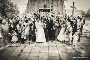 zdjęcia grupowe gości weselnych